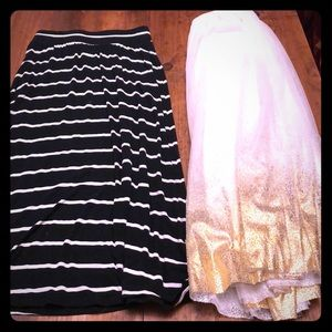 2 girls long skirts
